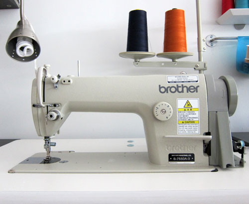 Columbia 650 1 Serger Industrial Sewing Machine w table motor and