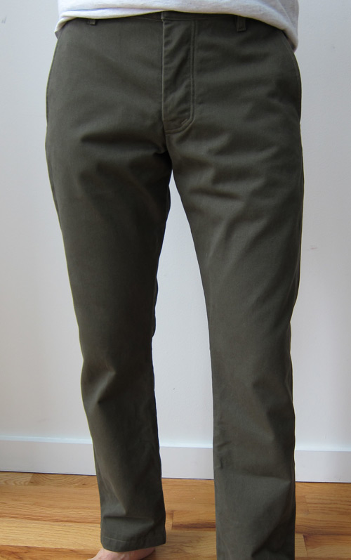 Men's olive chinos, fit image