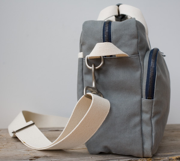 Canvas Shoulder Bag, side