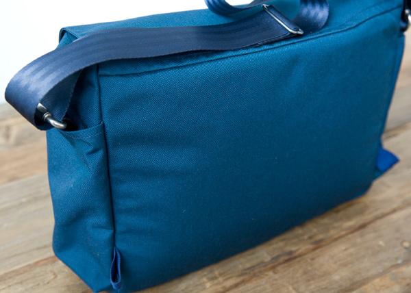 Cordura messenger bag, back