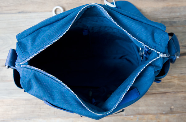 Cordura messenger bag, open