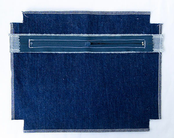 zipper pocket back