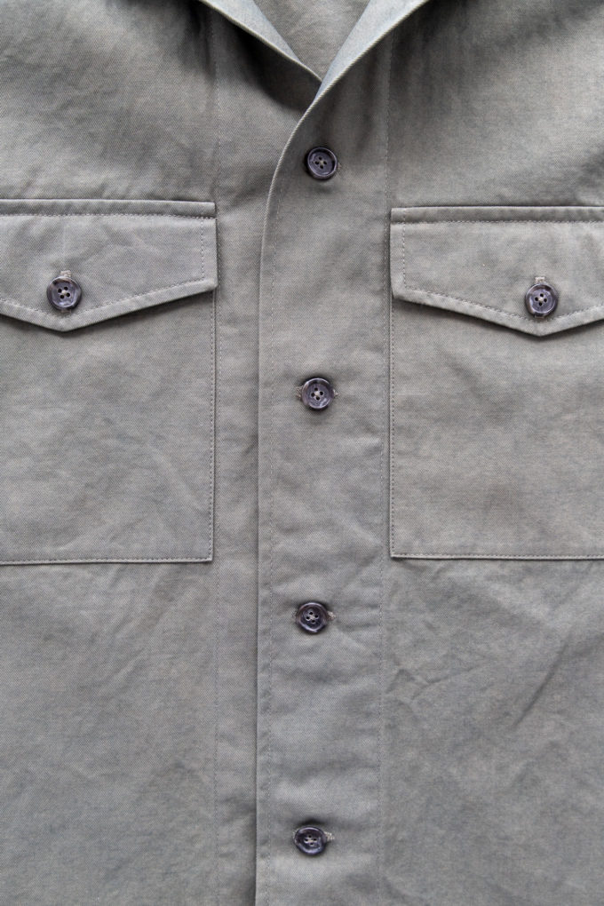 overshirt pocket detail